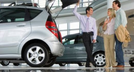 Advantages of Buying a Car From a Dealership