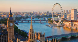 Visitors Guide: Travelling to UK